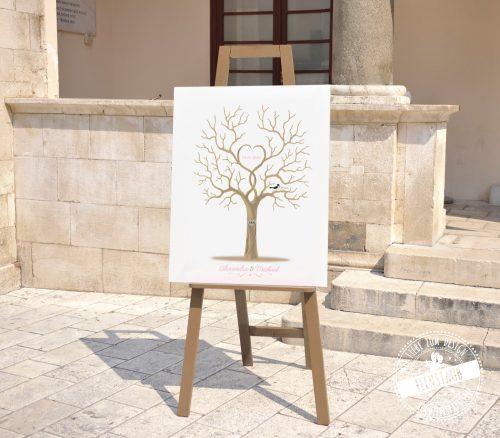 Fingerabdruckbaum auf Staffelei auf einer Hochzeit