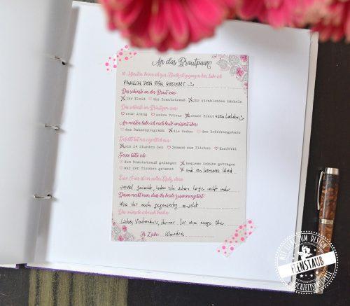 Karten mit vorgedruckten Fragen für die Hochzeit