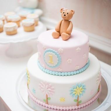 Kuchen zum ersten Geburtstag