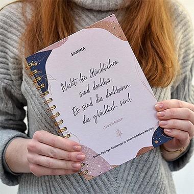 achtsamkeit-workbook-dankbarkeit-tagebuch-challenge-ausfuellen-fragen-beantworten-