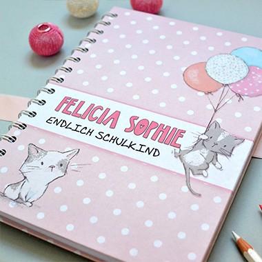 Notizbuch für Mädchen mit süßen Katzen, personalisierbar mit Namen und Text