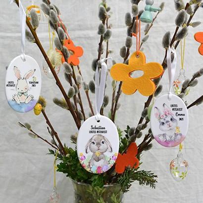 Personalisierbare Osteranhänger mit Osterhasen und Namen bedruckt aus hochwertigen Keramik