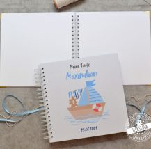 Taufe Gästebuch blanko mit süßem Boot in blau