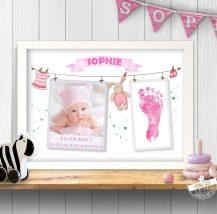 Print mit Babyfoto und Fußabdruck