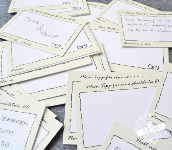 Gästebuchkarten mit vorgedruckten Fragen
