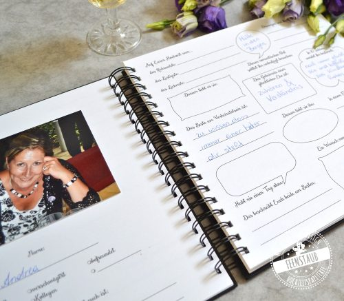 Vorgedruckte Fragen in Hochzeitsgästebuch