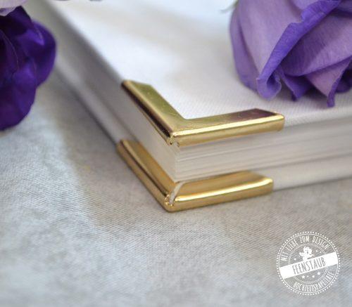 Gästebuch für die Hochzeit in weiß mit goldenen Buchecken