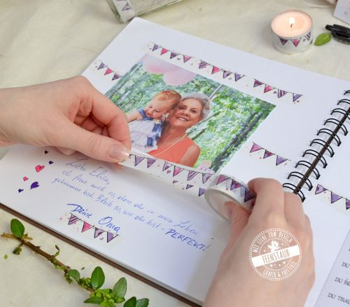 Wahi Tape mit rosa Wimpelkette zum Einkleben der Fotos ins Album