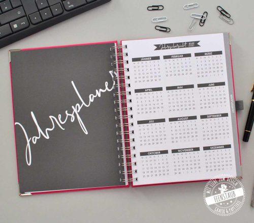 Jahreskalender Buch mit Hardcover Leinen Jahresübersicht