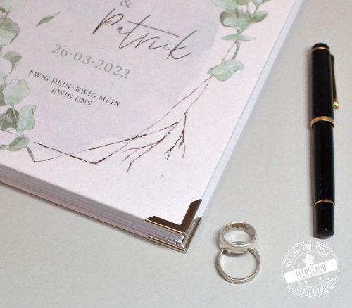 perfektes GEschenk zur Verlobung, das Hochzeitsplanerbuch