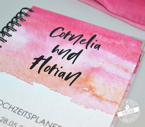 Weddingplanner Buch mit Namen und Datum des Brautpaares