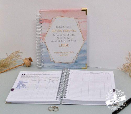 Hochzeitsplanungsbuch mit Goldakzenten