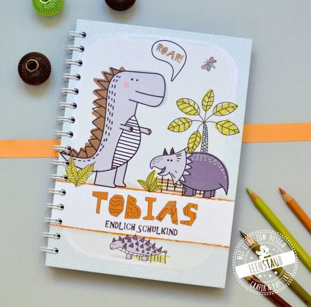personalisierbares Notizbuch Geschenk-Idee zur Einschulung Schulstart A5 Dinosaurier Junge grün
